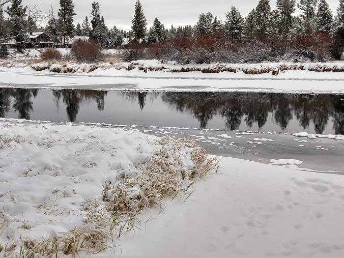Icy Deschutes River, November 2019